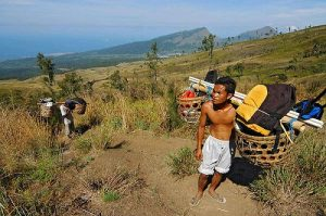 Porter Lombok trekking