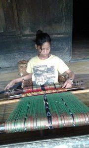 Sukarara weaving village Lombok tours